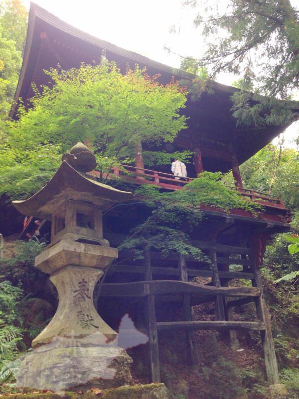 秩父札所二十六番 円融寺 懸崖造りの観音堂・岩井堂