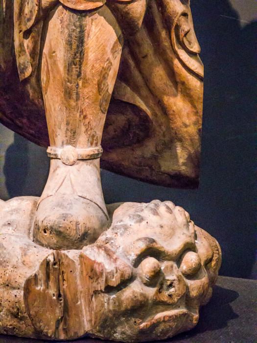 もくぞうてんのうりゅうぞう 国立博物館本館 京都府亀岡市・大宮神社伝来 平安時代・10~11世紀 文化庁蔵 ヒノキ一木造