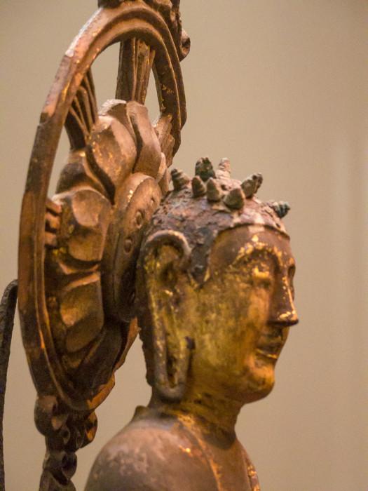 にょらいりゅうぞう 木造(クスノキ)漆箔 飛鳥時代 7世紀 法隆寺献納宝物 国立博物館本館