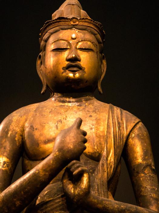 だいにちにょらいざぞう 平安時代・11~12世紀 木造(ヒノキ寄木)国立博物館本館