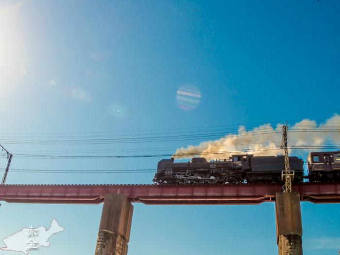 SLですよ。煙もちゃんと撮れました。ただ逆光だったのでシャドー起こしたら黒に締りがなくなってしまった。
