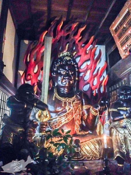 天台宗開1200年を記念して平成19年に建立された不動明王坐像