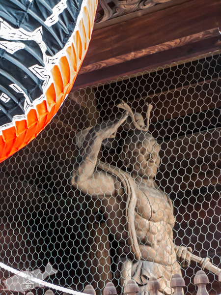 仁王門の金剛力士像、吽型