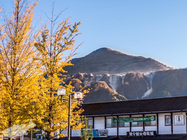 西武秩父駅前からも武甲山を撮ってみる