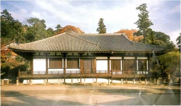 東大寺ではほとんど写真を撮らなかったので、拝観券の三月堂の写真を拝借しました。
