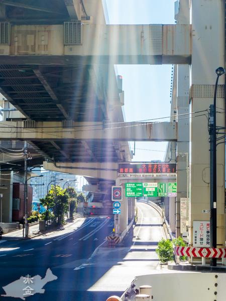 首都高9号深川線の下を通るのは三つ目通り