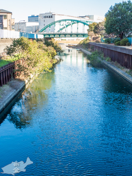仮設の橋から旧中川方面を見る