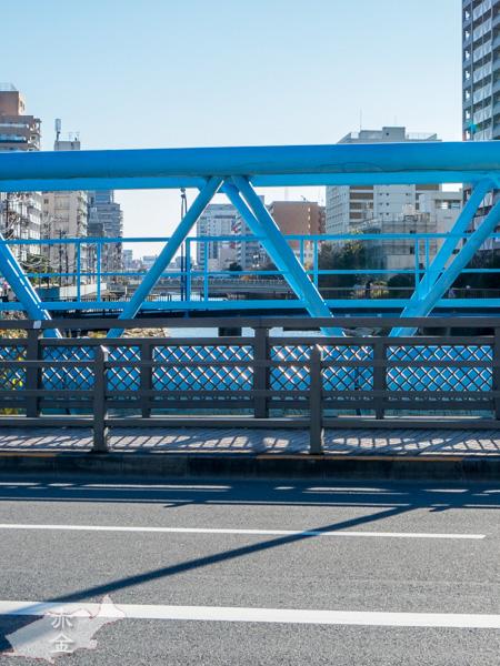 横十間川を渡る柳島橋から横十間川下流方向を見る